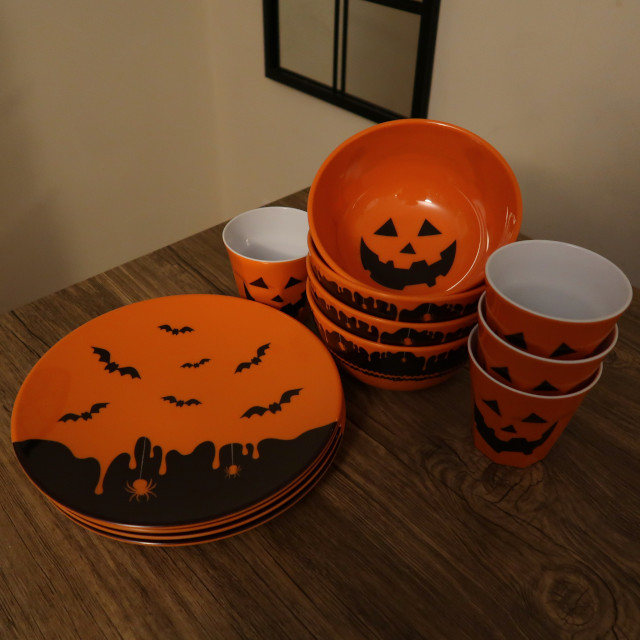 Halloween Melamine Plates, Bowls & Cups