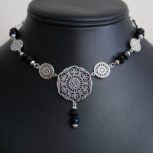Gothic Floral Lace Necklace & Earrings Set (Black Faceted Glass)