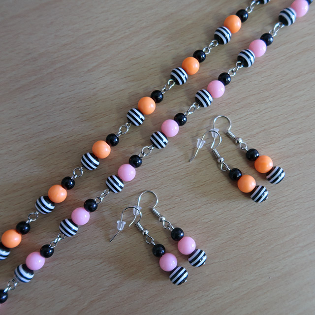 Psychobilly Striped Bead Necklace & Earrings Set